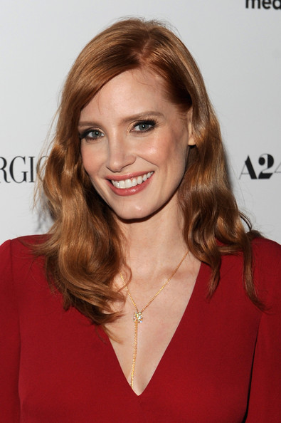 Jessica Chastain Diamond Lariat Necklace [a most violent year,hair,face,hairstyle,blond,eyebrow,brown hair,lip,beauty,long hair,chin,jessica chastain,new york,florence gould hall,premiere,new york premiere]
