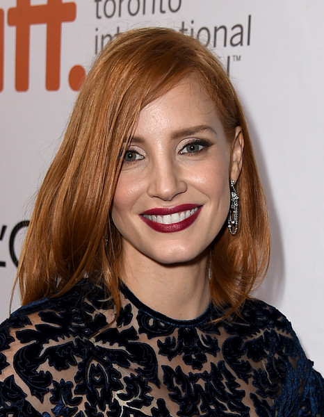Jessica Chastain Red Lipstick [red carpet,hair,face,hairstyle,lip,blond,eyebrow,chin,beauty,skin,hair coloring,jessica chastain,the martian,toronto,canada,roy thomson hall,toronto international film festival,premiere]
