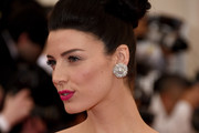 Jessica Pare Hair Knot