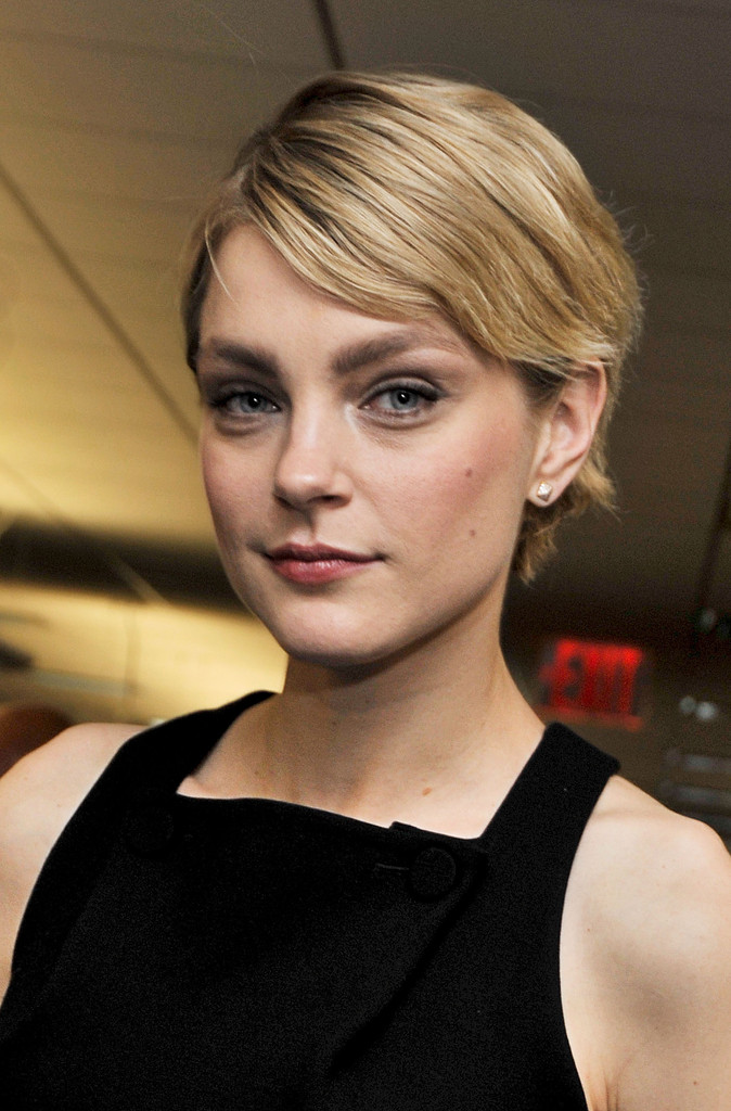 Jessica Stam Layered Razor Cut Layered Razor Cut