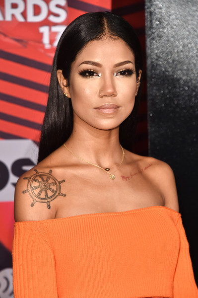 Jhene Aiko Long Straight Cut [hair,face,hairstyle,shoulder,eyebrow,beauty,skin,lip,chin,black hair,arrivals,jhene aiko,turner,iheartradio music awards,inglewood,california,tnt,tbs,trutv,the forum]