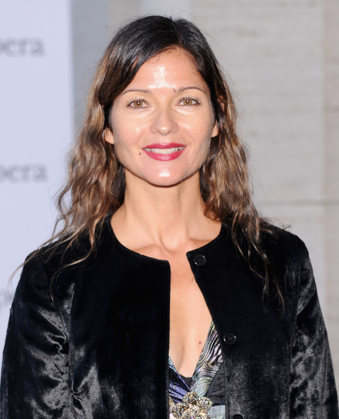 Jill Hennessy Long Wavy Cut