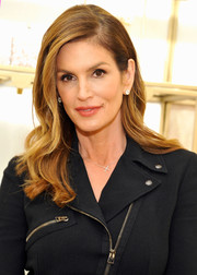 Cindy Crawford attended a Delete Blood Cancer event wearing this glamorous wavy 'do.