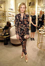 Skyler Samuels' Ann Taylor floral jacket and pants were an ultra-feminine way to suit up!