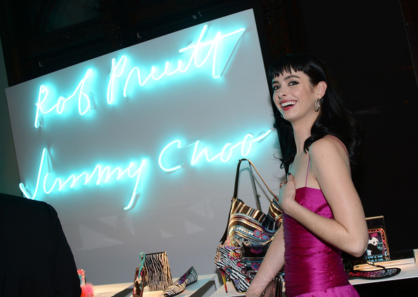 More Pics of Krysten Ritter Printed Clutch (4 of 10) - Printed Clutch Lookbook - StyleBistro