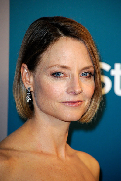 Jodie Foster Bob [hair,face,hairstyle,eyebrow,chin,head,forehead,beauty,cheek,skin,jodie foster,instyle golden globe awards,hotel,beverly hills,california,the beverly hilton,warner bros,arrivals,party]