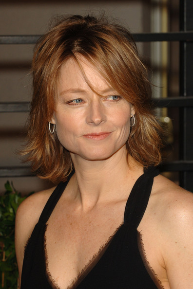 Jodie Foster Layered Razor Cut [oscar party,vanity fair,hair,face,hairstyle,blond,eyebrow,chin,beauty,brown hair,layered hair,bangs,west hollywood,california,sunset tower,jodie foster,graydon carter - arrivals,graydon carter]