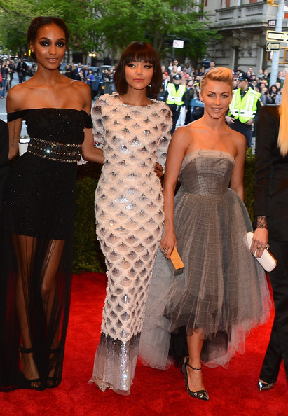 Jourdan Dunn Off-the-Shoulder Dress [punk: chaos to couture,red carpet,clothing,dress,carpet,flooring,fashion,hairstyle,event,shoulder,premiere,julianne hough,jourdan dunn,ashley madekwe,l-r,new york city,metropolitan museum of art,punk: chaos to couture costume institute gala,exhibition]