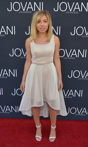 Jennette McCurdy kept it breezy in a high-low net dress from Jovani's Maslavi collection during the label's LA flagship opening.