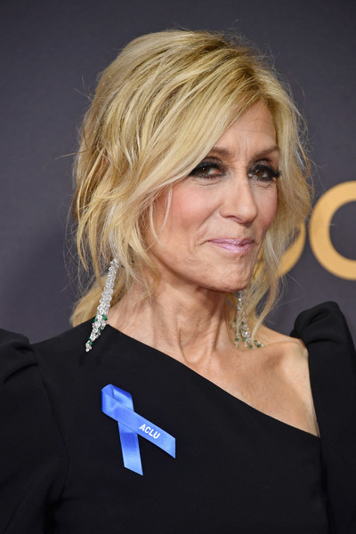 Judith Light Loose Ponytail [hair,face,hairstyle,blond,shoulder,beauty,chin,layered hair,electric blue,bob cut,arrivals,judith light,microsoft theater,los angeles,california,primetime emmy awards]