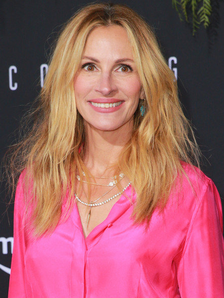 Julia Roberts Teased [hair,blond,pink,hairstyle,layered hair,long hair,brown hair,feathered hair,hair coloring,smile,arrivals,julia roberts,california,los angeles,regency bruin theatre,amazon studios,premiere,homecoming,premiere,amazon studios homecoming]