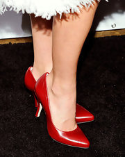 Julianne Hough added a pop of color to her look with these classic red pumps.