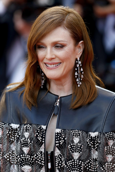 Julianne Moore Diamond Chandelier Earrings [les miserables,hair,hairstyle,long hair,fashion,blond,premiere,layered hair,street fashion,brown hair,bangs,julianne moore,screening,cannes,france,red carpet,the 72nd annual cannes film festival]