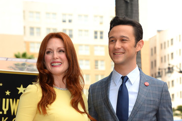 Julianne Moore Joseph Gordon-Levitt Julianne Moore Honored on the Walk of Fame — Part 4