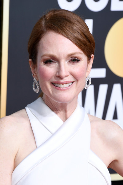 Julianne Moore Ponytail [hair,face,hairstyle,eyebrow,skin,chin,beauty,smile,lip,brown hair,arrivals,julianne moore,the beverly hilton hotel,beverly hills,california,golden globe awards]