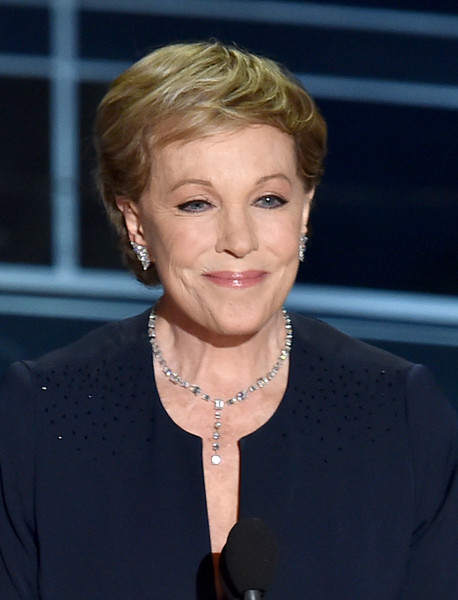 Julie Andrews Short Side Part [hair,face,hairstyle,blond,chin,lip,official,pixie cut,smile,white-collar worker,dolby theatre,hollywood,california,annual academy awards show,annual academy awards,julie andrews]