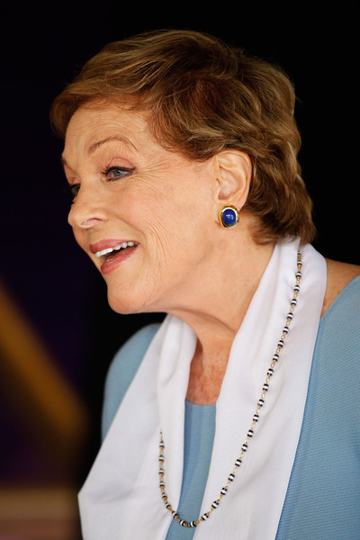 Julie Andrews Short Wavy Cut [dame julie andrews media conference,hair,face,hairstyle,head,chin,lady,nose,cheek,forehead,blond,media conference,sydney opera house,australia]
