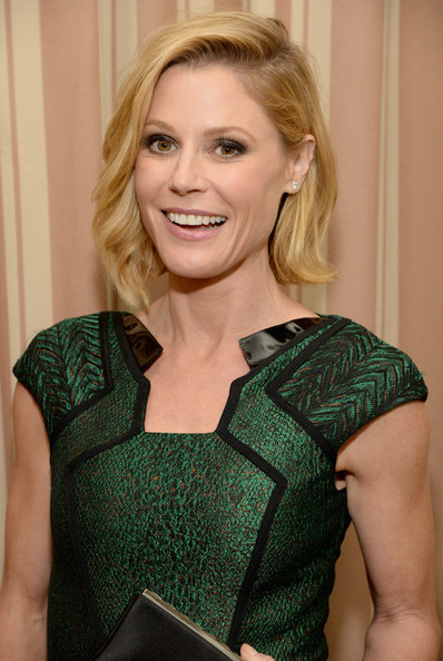 Julie Bowen Bob [julie bowen,women in television celebration,annual women in television celebration,hearts on fire,hair,face,blond,hairstyle,cocktail dress,shoulder,smile,dress,neck,long hair,california,sunset tower,west hollywood,elle,hearts on fire,olay]