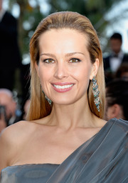 Petra Nemcova kept it simple with this straight, partless hairstyle at the Cannes premiere of 'Julieta.'