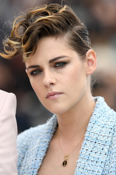 Kristen Stewart rocked a messy pompadour at the 2018 Cannes Film Festival jury photocall.