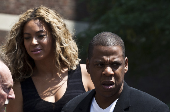 More Pics of Beyonce Knowles Long Wavy Cut (1 of 4) - Beyonce Knowles Lookbook - StyleBistro