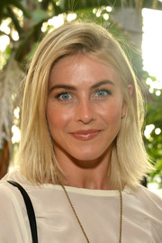 Julianne Hough opted for a casual straight hairstyle when she attended the KEEP Collective Accessories social.