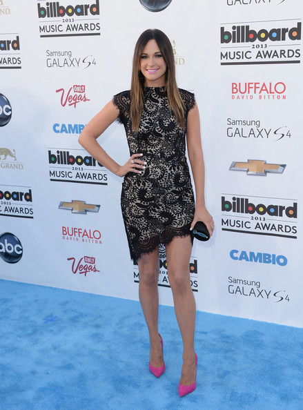 Kacey Musgraves Tube Clutch [clothing,red carpet,dress,carpet,fashion,hairstyle,cocktail dress,footwear,fashion model,leg,arrivals,kacey musgraves,billboard music awards,2013 billboard music awards,las vegas,nevada,mgm grand garden arena]