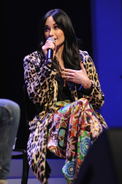 Kacey Musgraves Printed Coat [in conversation with the new yorker,performance,entertainment,music artist,singing,performing arts,music,event,talent show,singer,musician,kacey musgraves,kelefa sanneh,brooklyn,new york,new yorker festival]