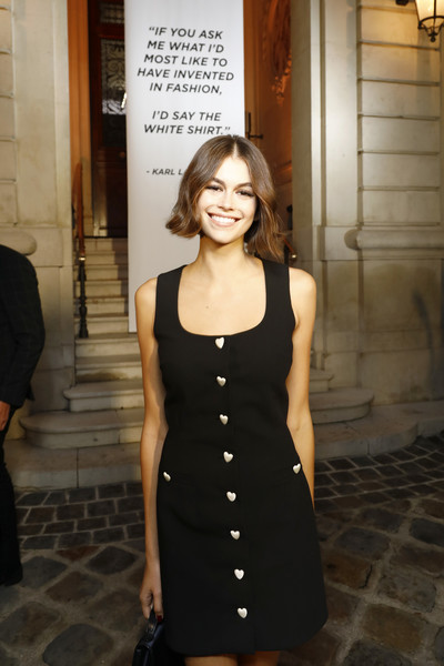 Kaia Gerber Little Black Dress [black,clothing,dress,little black dress,fashion,lady,cocktail dress,photography,fashion design,black-and-white,karl lagerfeld,kaia gerber,\u0153tribute,part,the white shirt project\u00e2,paris,karl lagerfeld : exhibition tribute to karl - paris fashion week,paris fashion week,exhibition]