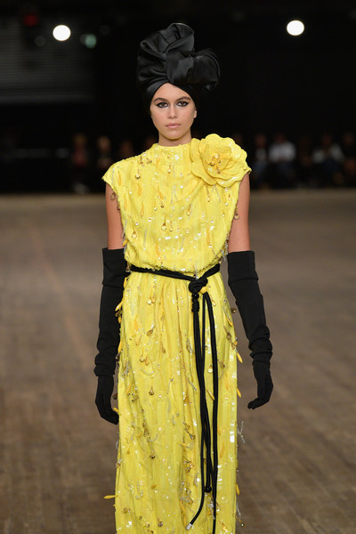 Kaia Gerber Full Sleeve Gloves [marc jacobs ss18 collection - runway,kaia gerber,marc jacobs,fashion model,fashion,fashion show,yellow,clothing,runway,fashion design,haute couture,dress,event,runway,new york city,park avenue armory,fashion show,new york fashion week]