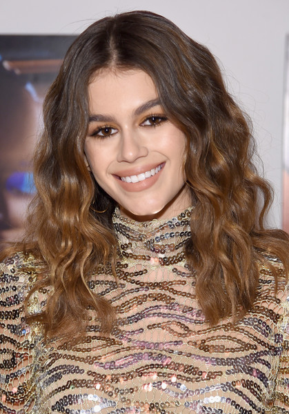 Kaia Gerber Long Wavy Cut