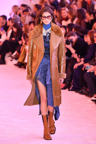 Kaia Gerber Leather Coat [fashion,fashion show,fashion model,runway,clothing,event,footwear,public event,outerwear,haute couture,chloe,kaia gerber,part,runway,paris,france,chloe : runway - paris fashion week womenswear fall]