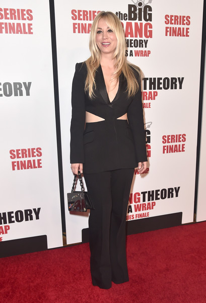 Kaley Cuoco Printed Purse [the big bang theory,red carpet,carpet,suit,clothing,premiere,formal wear,pantsuit,flooring,event,tuxedo,arrivals,kaley cuoco,pasadena,california,the langham huntington,series finale party,cbs]