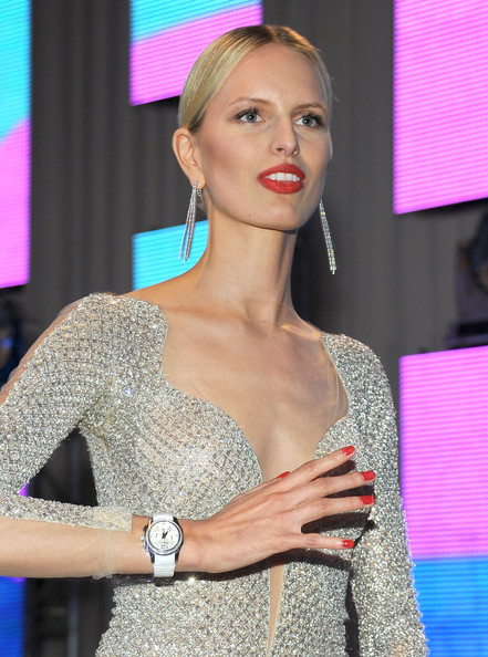 Karolina Kurkova Red Nail Polish