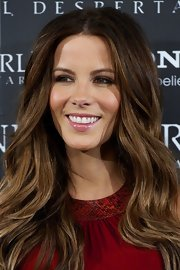 Kate Beckinsale wore a soft sheer pink gloss at the 'Underworld: Awakening' premiere.