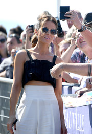 Kate Beckinsale wore a pair of round sunglasses by Prive Revaux while greeting fans at the 2018 Deauville American Film Festival.