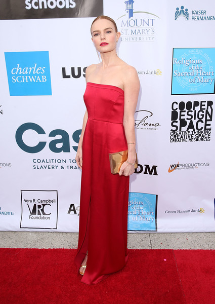 Kate Bosworth Box Clutch [from slavery to freedom gala,dress,clothing,shoulder,red carpet,carpet,gown,strapless dress,joint,hairstyle,fashion,kate bosworth,city market social house,los angeles,california,coalition to abolish slavery and trafficking]