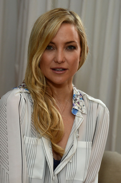 Kate Hudson Side Sweep [intense i-color bold nudes,hair,face,blond,hairstyle,layered hair,lip,long hair,brown hair,surfer hair,white-collar worker,kate hudson,the nomad hotel,new york city,almay,shade mousse makeup launch]