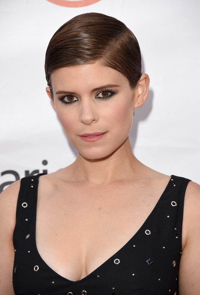 Kate Mara Side Parted Straight Cut Kate Mara Looks