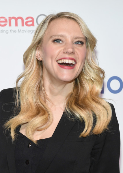 Kate McKinnon Long Wavy Cut [invites you to an exclusive presentation highlighting its 2018,cinemacon 2018 lionsgate invites you to an exclusive presentation highlighting its 2018,hair,face,blond,facial expression,hairstyle,eyebrow,chin,long hair,skin,smile,kate mckinnon,the colosseum,caesars palace,nevada,cinemacon,lionsgate,beyond,convention]