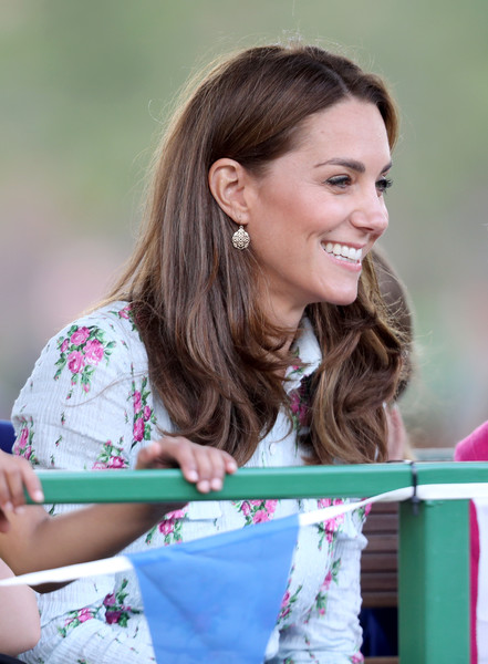 Kate Middleton Gold Dangle Earrings [back to nature,hair,hairstyle,pink,long hair,child,brown hair,smile,photography,recreation,happy,duchess of cambridge,catherine duchess,attends,cambridge,england,woking,rhs garden wisley,festival]