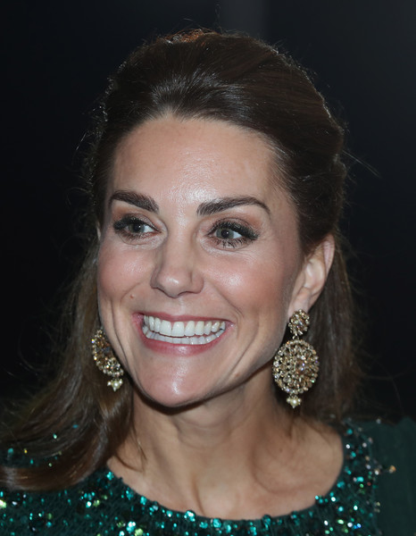 Kate Middleton Half Up Half Down [hair,face,eyebrow,facial expression,hairstyle,lip,chin,smile,forehead,beauty,duke,prince william,thomas drew,catherine,duchess,islamabad,duchess of cambridge,pakistan national monument,cambridge,reception]