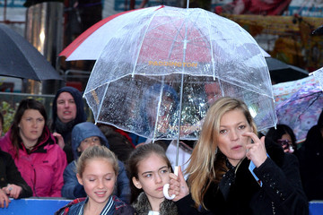 "Kate Moss Lila Grace Moss ""Paddington"" World Premiere - Red Carpet Arrivals"