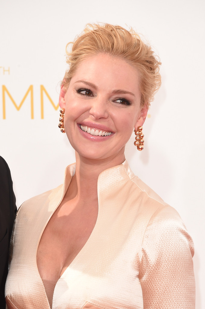 Katherine Heigl Loose Bun Newest Looks Stylebistro