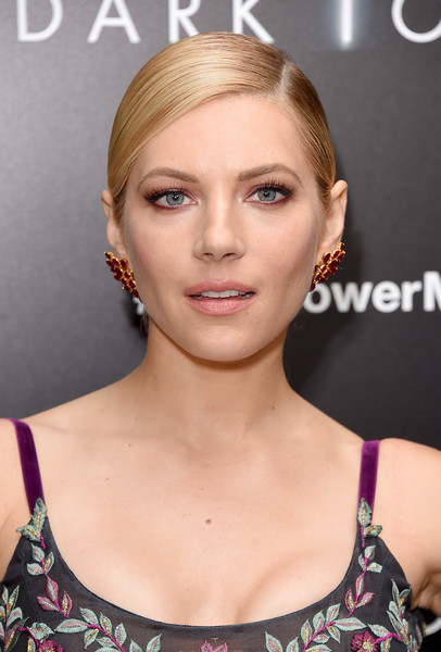 Katheryn Winnick Ponytail [the dark tower,hair,face,eyebrow,hairstyle,blond,skin,lip,beauty,chin,ear,arrivals,katheryn winnick,new york,new york premiere]