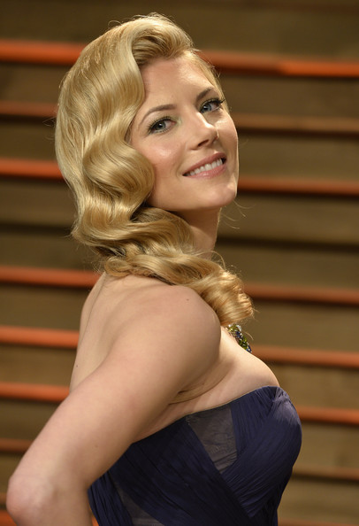 More Pics Of Katheryn Winnick Retro Hairstyle 1 Of 10
