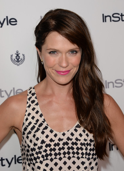 Katie Aselton Side Sweep