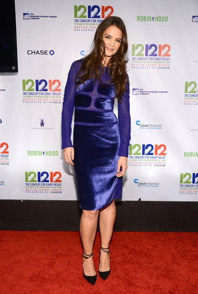 Katie Holmes Pumps [clothing,cobalt blue,dress,carpet,electric blue,cocktail dress,red carpet,fashion,shoulder,footwear,victims,katie holmes,robin hood relief fund,of hurricane - press room,madison square garden,new york city,the weinstein company,the madison square garden company,concert,hurricane sandy]