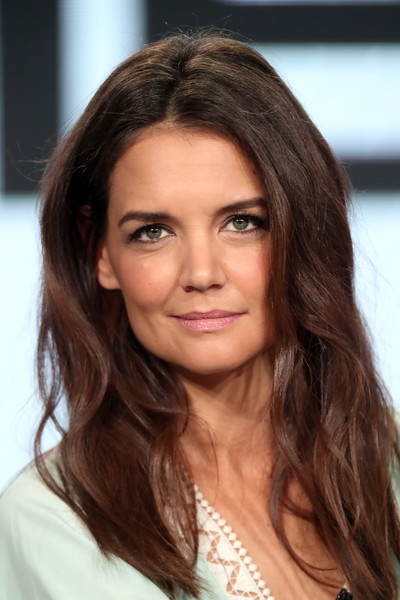 Katie Holmes Pink Lipstick [television show,the kennedys,hair,eyebrow,beauty,human hair color,hairstyle,fashion model,long hair,brown hair,layered hair,black hair,katie holmes,camelot,langham hotel,pasadena,california,winter tca,reelzchannel,portion]