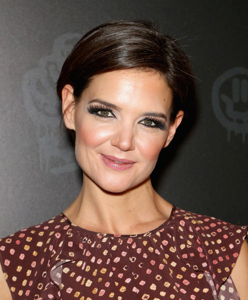 Katie Holmes Short Side Part [hair,face,hairstyle,eyebrow,chin,forehead,lip,beauty,cheek,brown hair,black tap craft burgers beer,katie holmes,the venetian las vegas,nevada,grand opening of black tap craft burgers beer,grand opening]